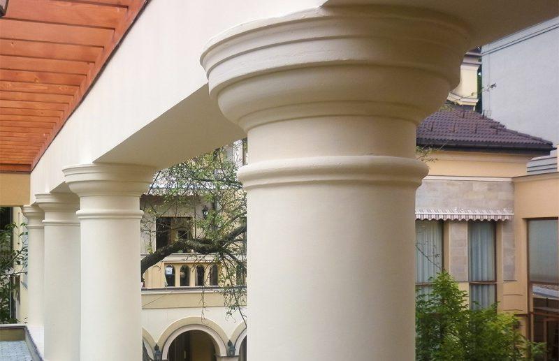 колони на фасад